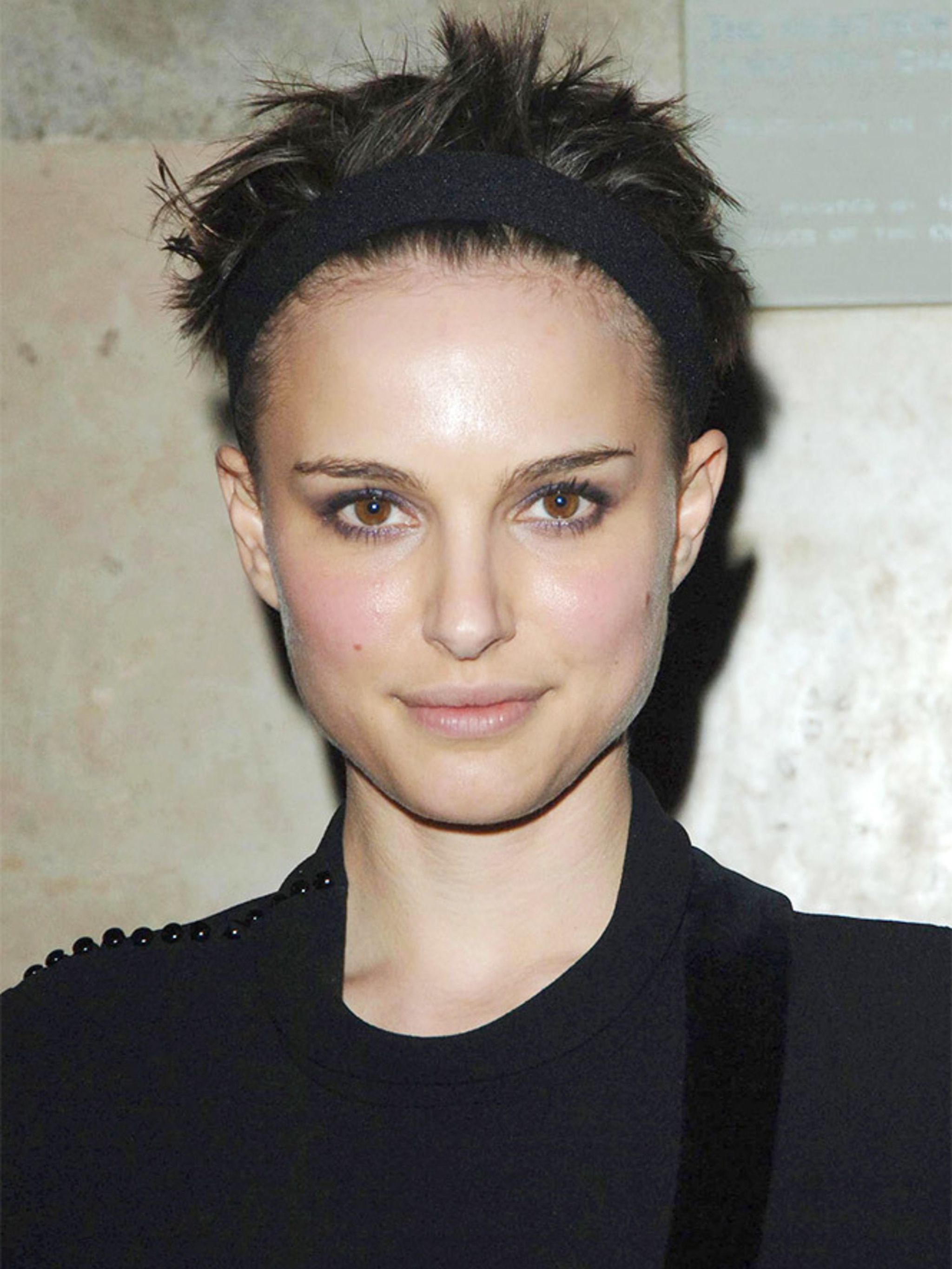 Natalie Portman Short Hairstyle, Haircuts And Color In 10