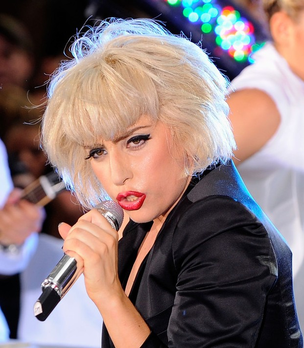 Lady Gaga messy haircut with blonde color