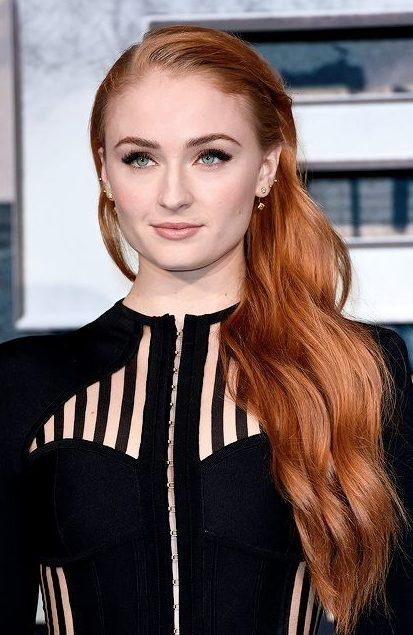 Sophie Turner Hairstyling