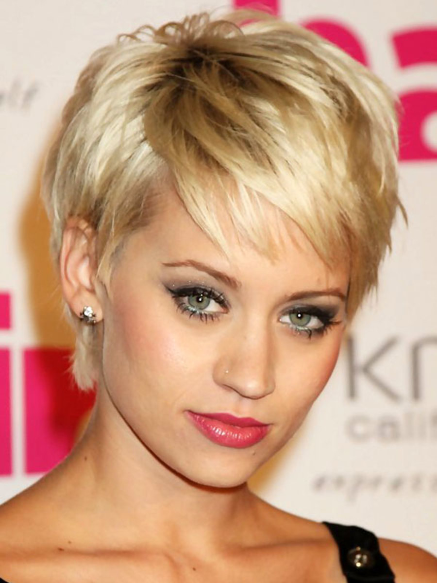 Short Pixie with Bangs For Oval Face